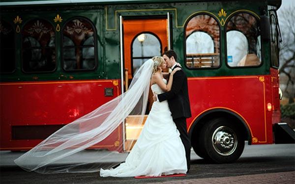 Замовлення і оренда автобуса, мікроавтобуса на весілля.
